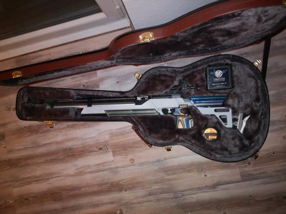 Gitarren-Gewehr-Koffer😜